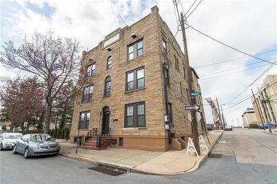 Multi Family Home Available: 439 Walnut Street
