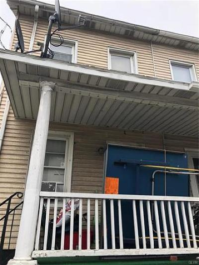 Multi Family Home Available: 905 Wyandotte Street