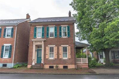 Single Family Home Available: 30 Wall Street East