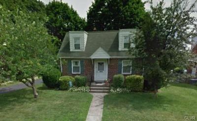Single Family Home Available: 1916 East Columbia Street