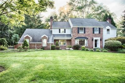 Single Family Home Available: 2723 Bridle Path Place