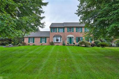 Single Family Home Available: 4628 Oakwood Lane