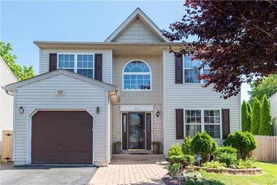 Single Family Home Available: 453 Vista Drive
