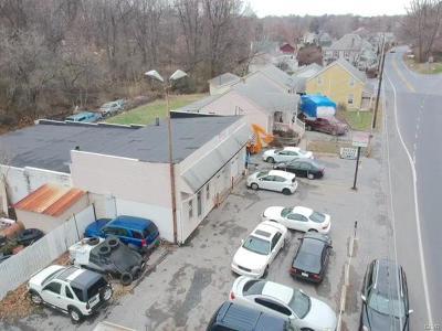 Multi Family Home Available: 1665 Freemansburg Avenue