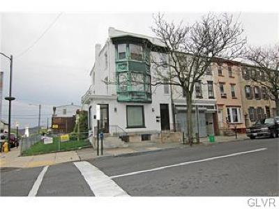 Multi Family Home Available: 902 West Walnut Street