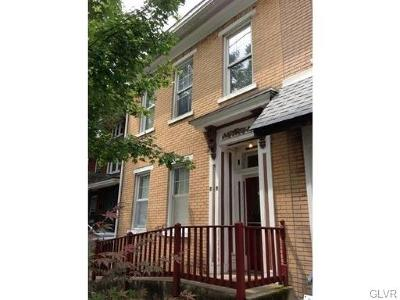 Single Family Home Available: 717 Center Street #2F