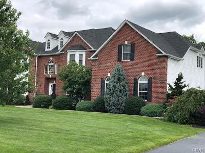 Single Family Home Available: 4532 Oakwood Lane