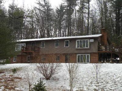 Chestnuthill Twp PA Single Family Home Available: $239,000
