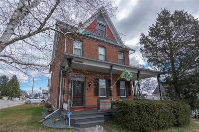 Single Family Home Avail w/Contingency: 412 North Robinson Avenue