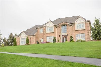 Single Family Home Available: 1746 Creek View Drive