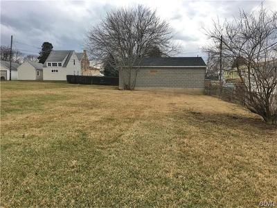 Residential Lots & Land Available: 812 South Front Street