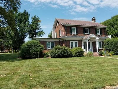 Single Family Home Available: 2953 Alton Avenue