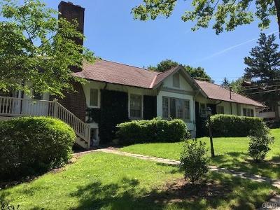 Single Family Home Available: 2122 West Walnut-A Street #A