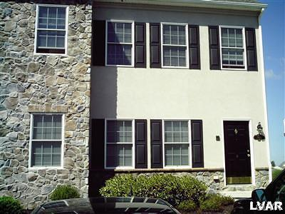 Single Family Home Available: 1801 Chateau Place #D