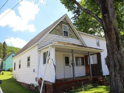 Bradford Single Family Home For Sale: 8 Burnside Avenue