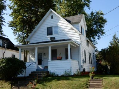 Single Family Home Sold: 20 Oxford Street