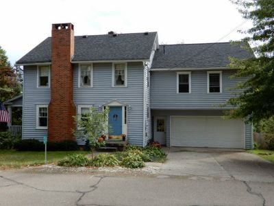 Single Family Home Sold: 17 Fiske Avenue