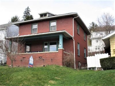 Bradford Single Family Home For Sale: 20 Lawrence Avenue