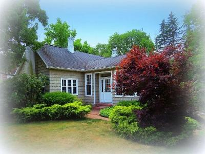 Bradford Single Family Home For Sale: 173 Interstate Parkway