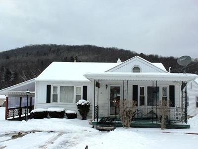 Bradford PA Single Family Home For Sale: $129,000