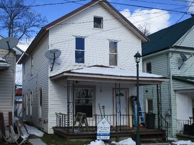 Single Family Home Sold: 27 Leland Avenue