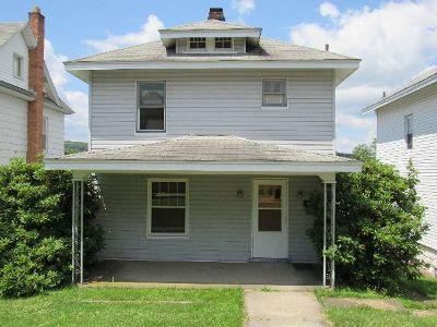 Johnsonburg PA Single Family Home For Sale: $36,000