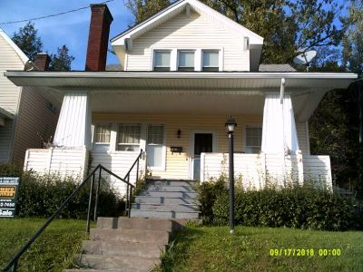 Single Family Home For Sale: 96 Summer Street