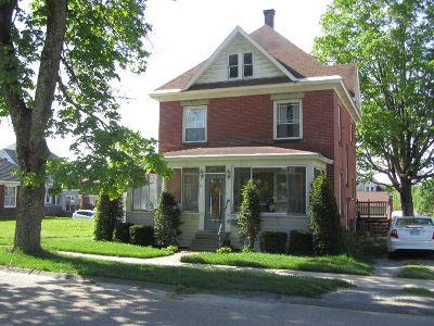 Single Family Home For Sale: 306 West Pine Ave