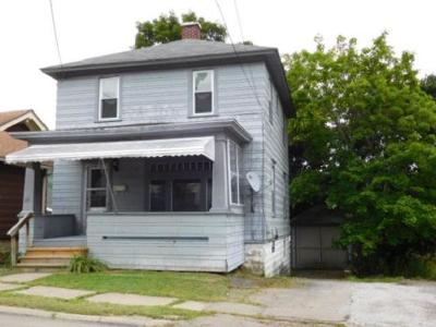 Single Family Home For Sale: 317 Congress Street