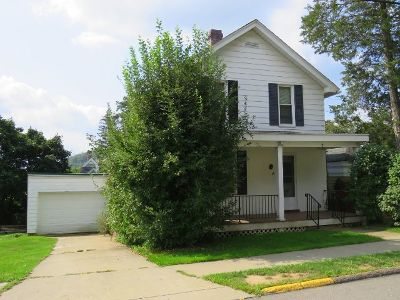 Bradford Single Family Home For Sale: 49 Pleasant Street