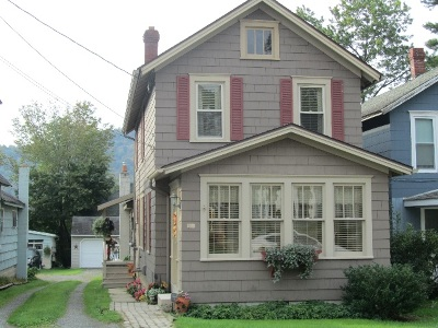 Bradford Single Family Home For Sale: 159 Pleasant Street