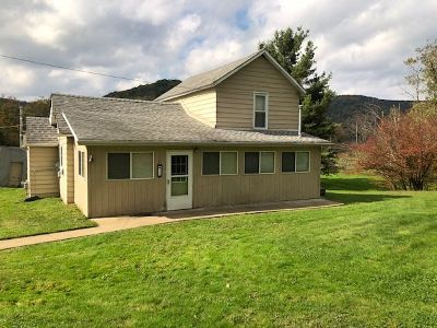 McKean County Single Family Home For Sale: 26 Church Street