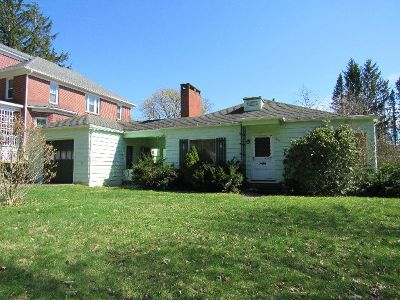Kane Single Family Home For Sale: 218 Chestnut Street