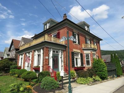 Bradford PA Single Family Home For Sale: $129,000