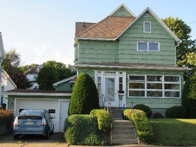 Single Family Home For Sale: 33 Hemlock Avenue