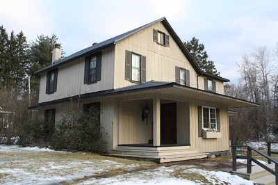 Mansfield Single Family Home For Sale: 154 Newtown Hill Rd