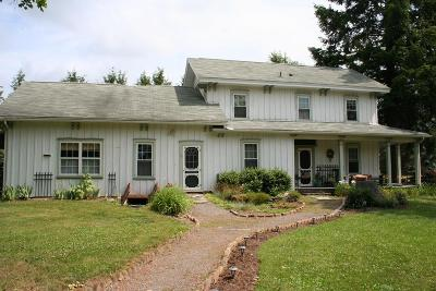 Middlebury Center Single Family Home For Sale: 16-18 Norris Brook Road
