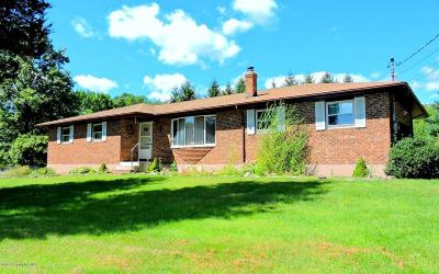 Stroudsburg Single Family Home For Sale: 405 Lavender Lane