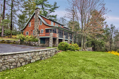 Buck Hill Falls Single Family Home For Sale: 122 Squirrel Rd