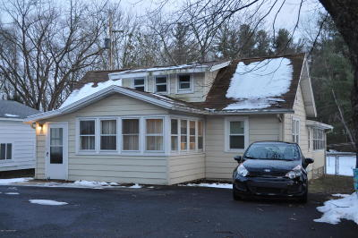 Stroudsburg Single Family Home For Sale: 813 Stokes Mill Rd