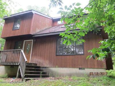 Henryville Single Family Home For Sale: 130 St Moritz Ct