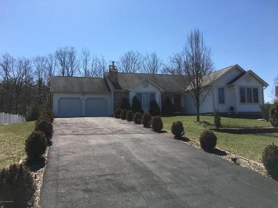 Stroudsburg Single Family Home For Sale: 309 Autumn Ln