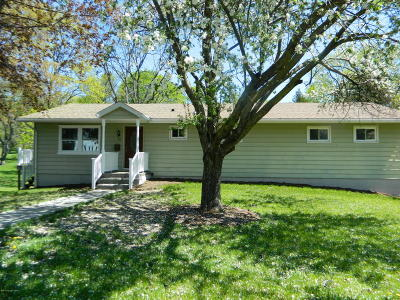 East Stroudsburg Single Family Home For Sale: 180 State Street