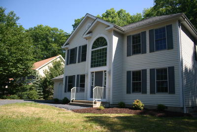 East Stroudsburg Single Family Home For Sale: 352 East Shore Dr