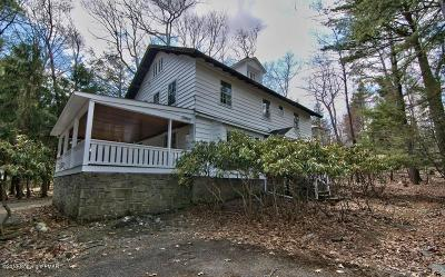 Buck Hill Falls Single Family Home For Sale: 346 Knoll Dr