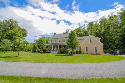 Lehigh County, Northampton County Single Family Home For Sale: 1520 Jakes Pl