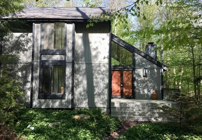 Timber Trails Single Family Home For Sale: 3221 Green Meadow Circle