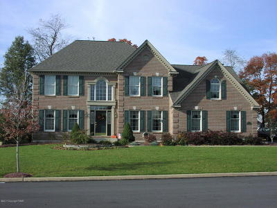 Stroudsburg Single Family Home For Sale: 105 Rolling Hills Rd