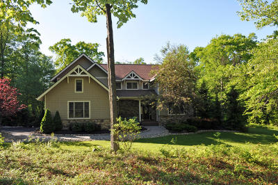 Lake Harmony Single Family Home For Sale: 373 Wolf Hollow Rd