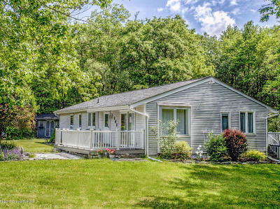 Long Pond Single Family Home For Sale: 102 Emerald Lake Drive